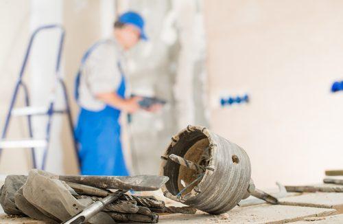 שיפוץ על עם קידוח בטון