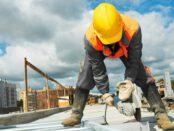עובד באתר בנייה
